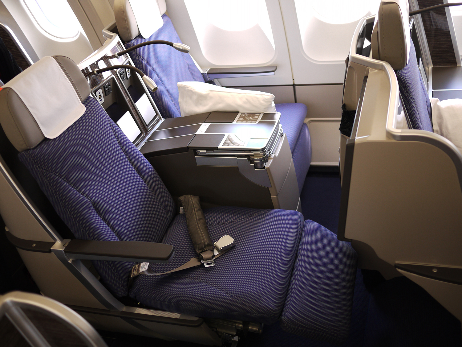 cheap business class seats on Brussels Airlines upright